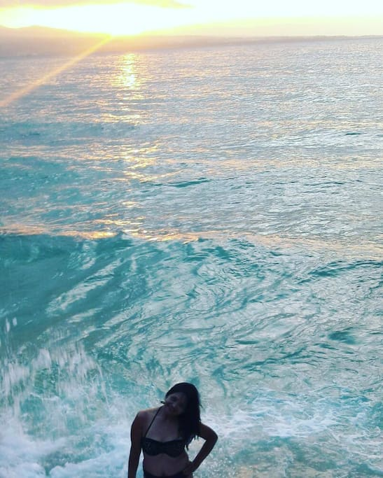 amazing direct on the cristal clear sea and enjoy sunset and sunrise
