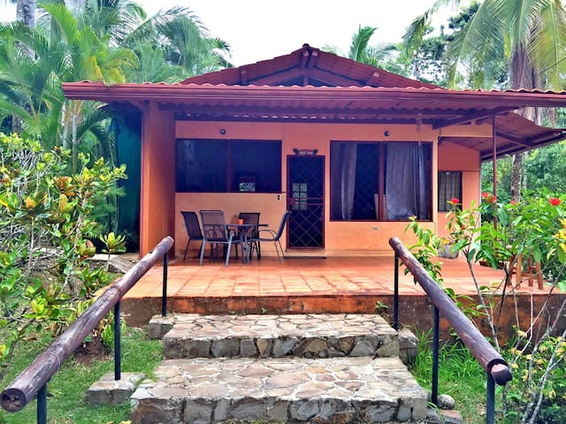 Great House w/ Huge Outdoor Shower - Manuel Antonio - House