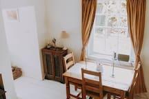 Quaint Railway Cottage Stay in Godalming