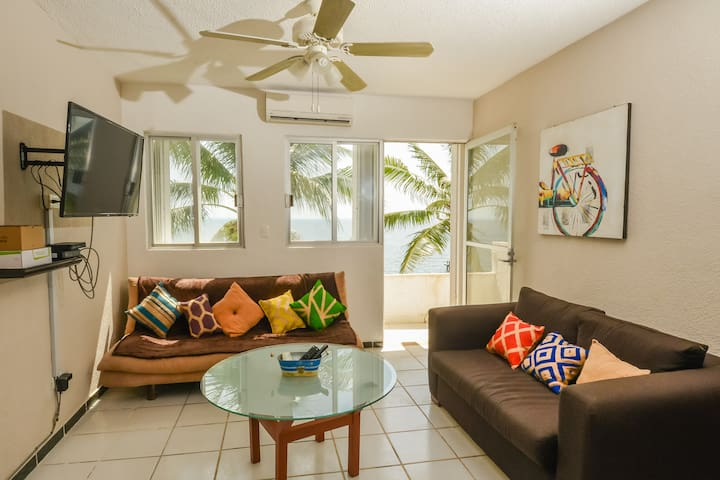 COZY OCEANFRONT 4 PAX APARTMENT FULLY EQUIPPED - Cancun - Byt