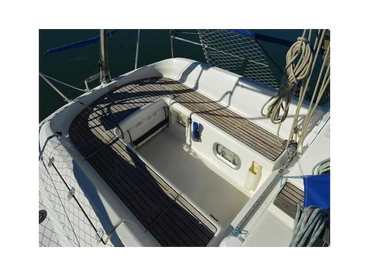 ♥ Stunning Boat 2 BR, WC , + Bike , ace location ♣