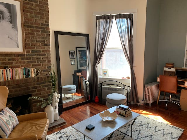 Huge One Bedroom Haven In The Heart Of Manhattan