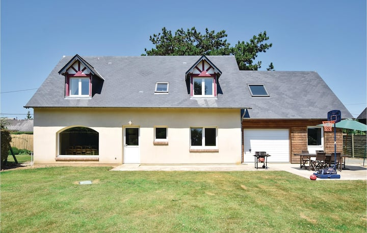 Holiday cottage with 3 bedrooms on 148m² in Gruchet Saint Simeon