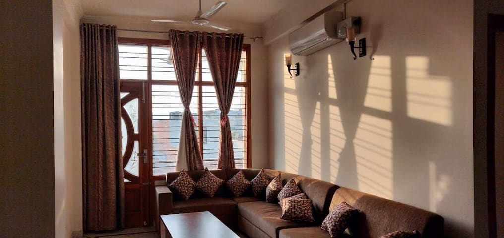 Fully Furnished 3BHK & Independent Floor
