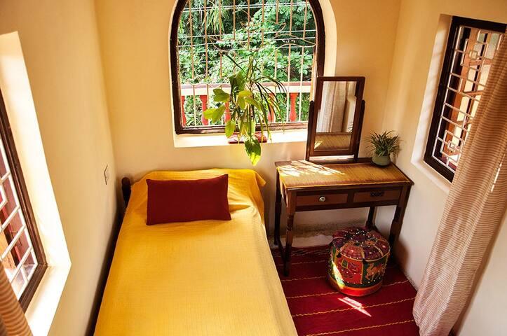Single room in cozy villa in Anjuna - Anjuna - Bed & Breakfast