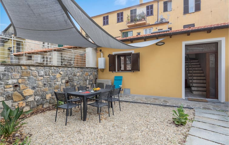 Semi-Detached with 2 bedrooms on 70m² in Imperia