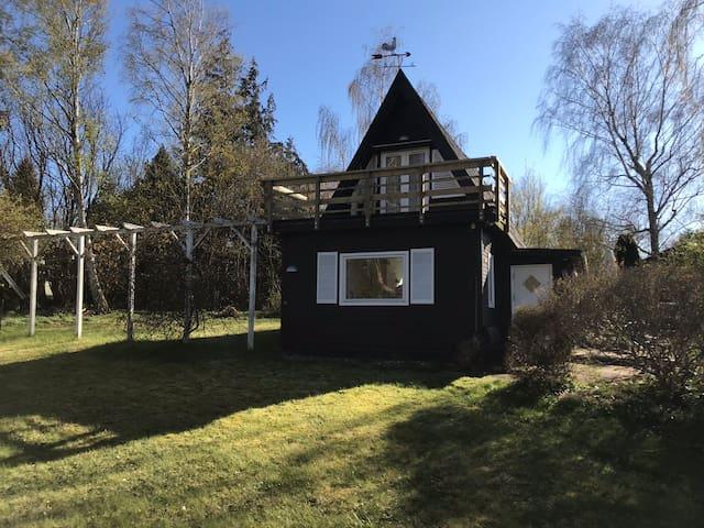 Sommerhus + anneks i skøn natur