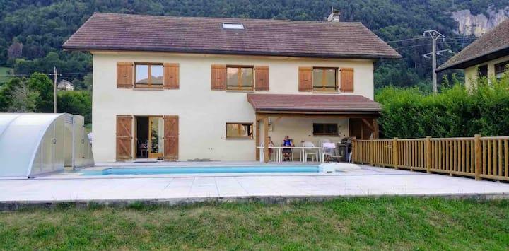 Maison familiale 12 personnes Lathuile Lac Annecy