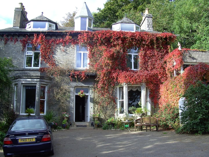 Kendal Country House