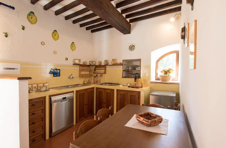 Appartamento per 4 persone, a soli 4 km da Cortona