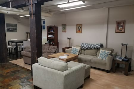 Large 2BD Apartment Right Downtown! - Seattle - Apartment