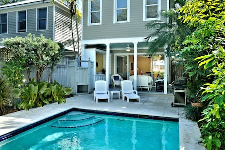 Island Oasis by Duval. Gorgeous Home, Private Pool - Key West