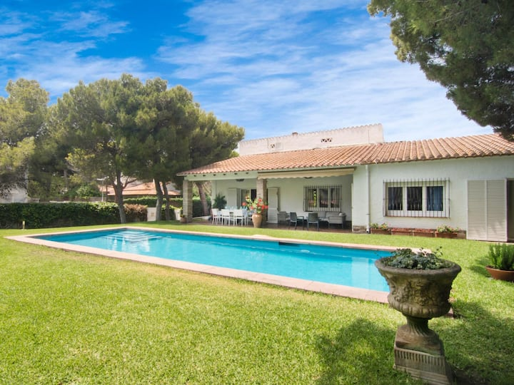 INDIGO BY BLAUSITGES Villa with large private pool and garden