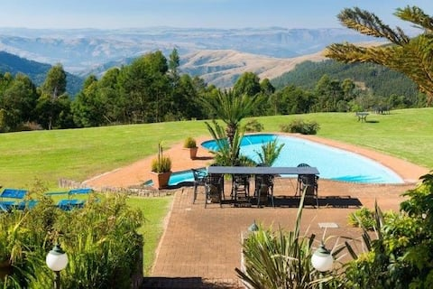 Drakensberg get away qunu falls lodge