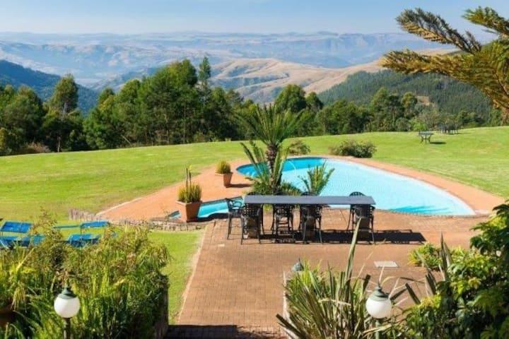 Drakensberg get away qunu falls lodge