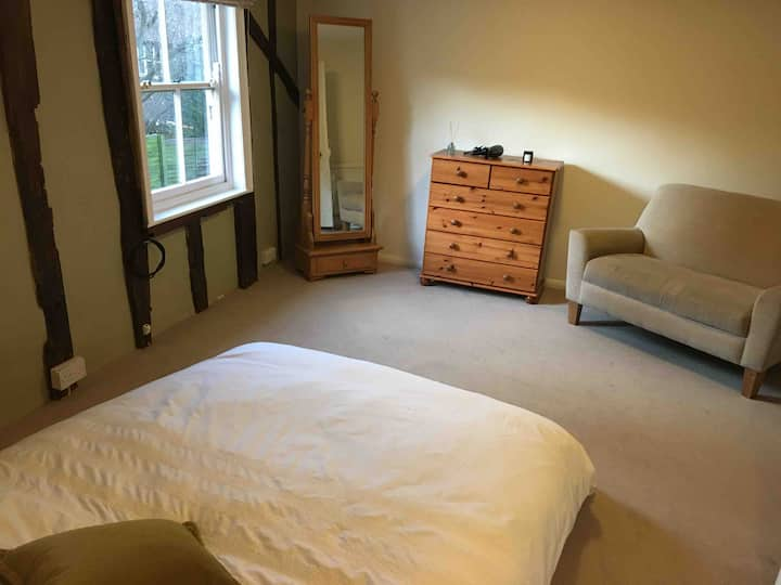** Double room in spacious 17th century house **