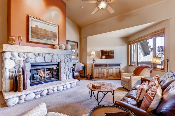 Spacious & Family-Friendly Ski-In/Out Condo w/Free WiFi, Shared Pool/Hot Tub/Gym