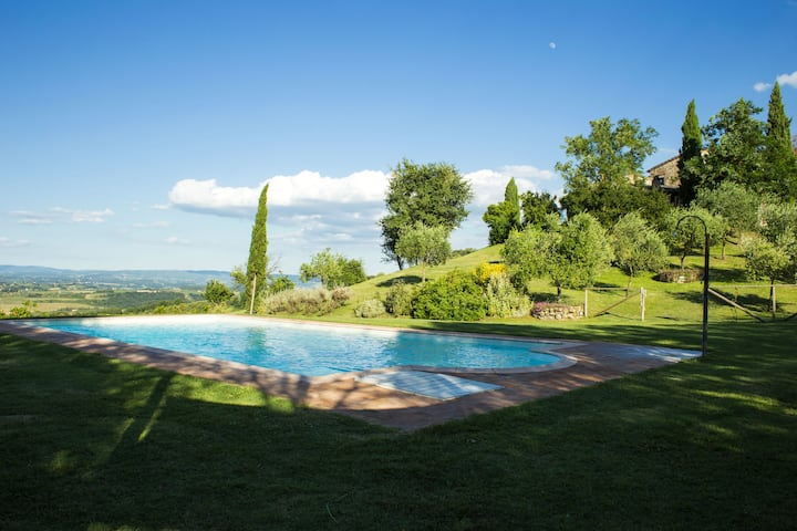 Entire Villa for 14 people near San Gimignano