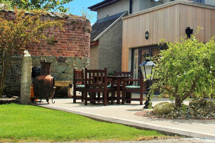 Woodvilla Lodge, Kilmore, Co.Wexford - 5 Bed - Sleeps 11 - Kilmore - บ้าน