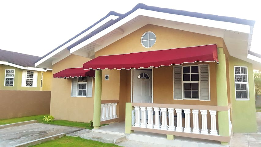 Little Retreat- 2BR getaway in Falmouth Trelawny