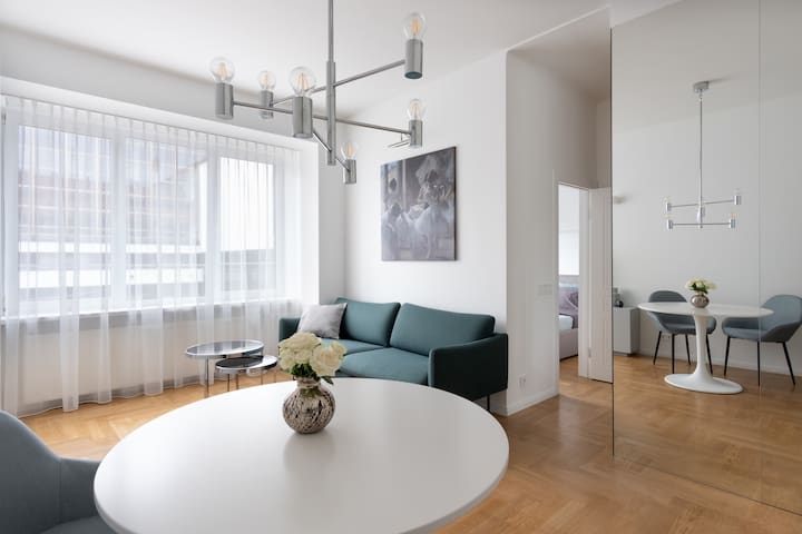 Bright Ballet apartment in perfect center location
