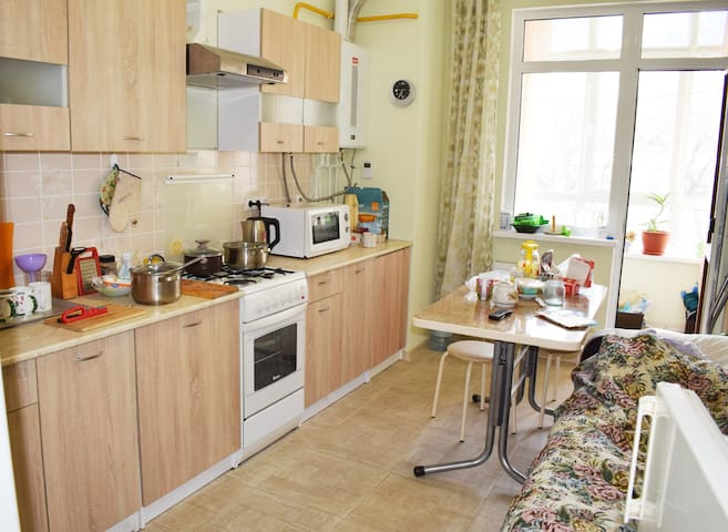 Уютная квартира в 500 метрах от моря - Kabardinka - Huoneisto