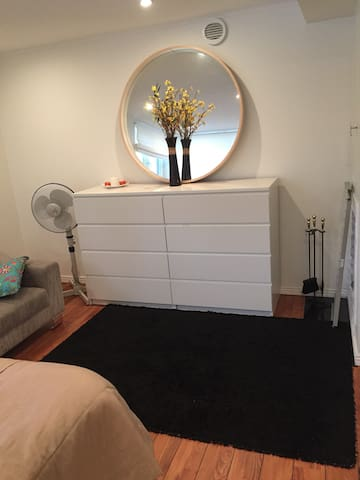 Big cozy room in a house - Solna - Rumah