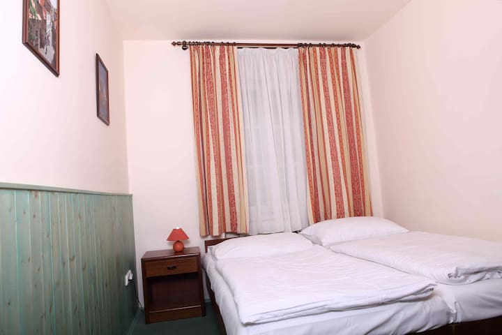 Small double room with king size be