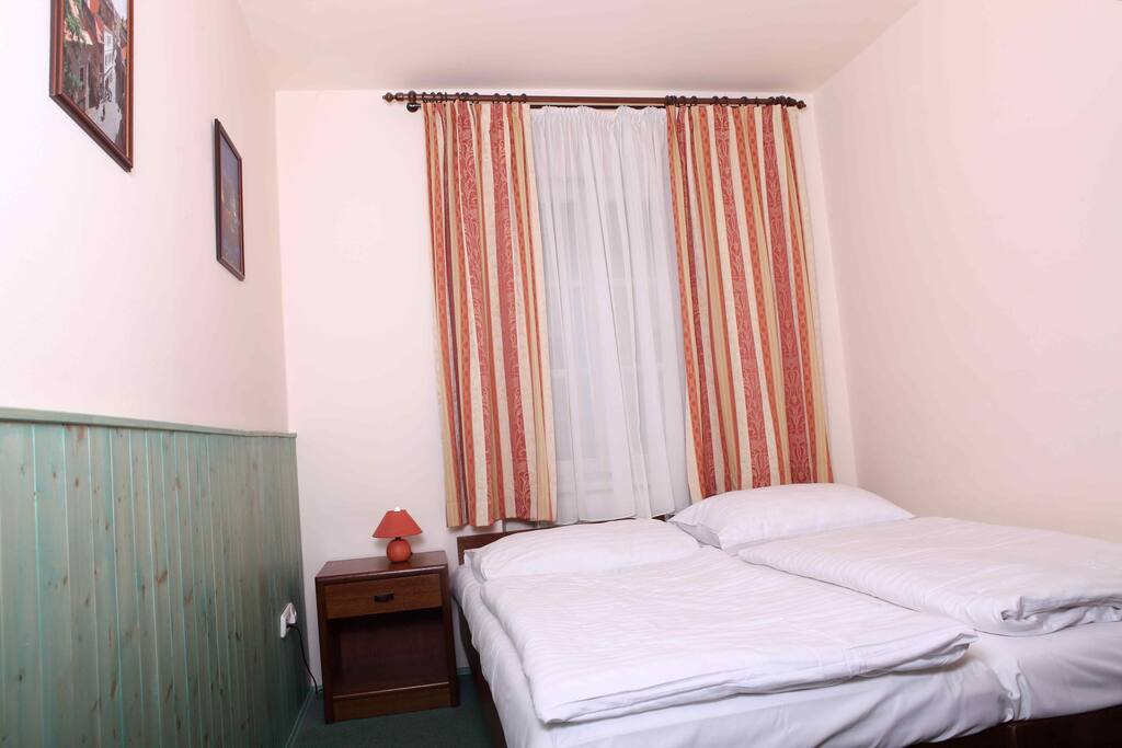 King Size Room To Rent