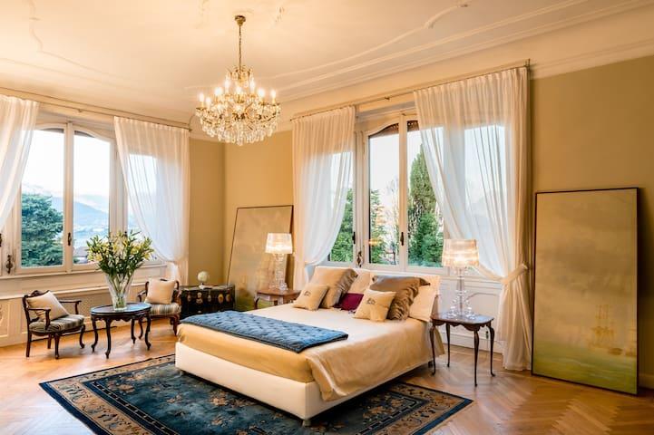 Suite in old villa on Lake Maggiore with swimpool