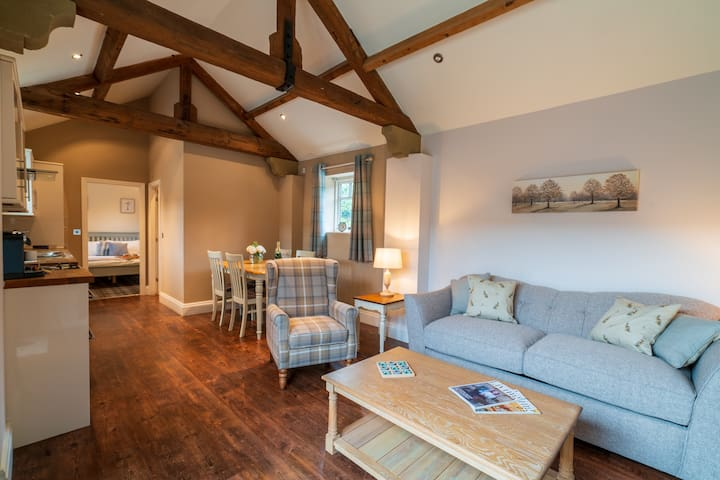 Newly launched - Converted barn in idyllic setting