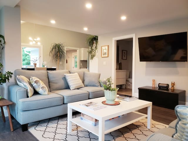 🧭 Newly Remodeled Home Near Westerly and Mystic