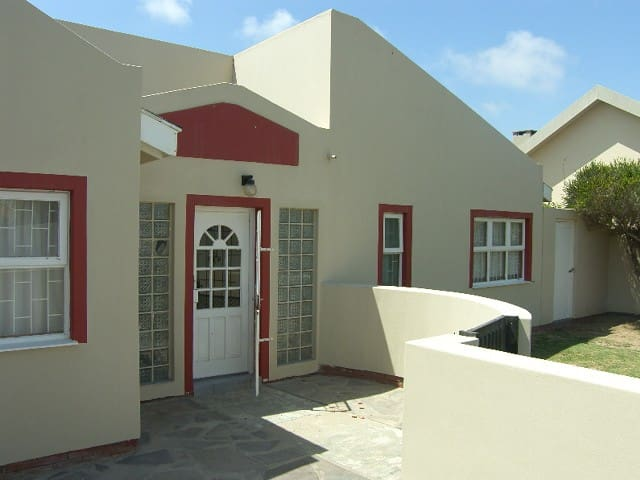 1st STREET NORTH HOUSE NO5 - Walvis Bay - Maison