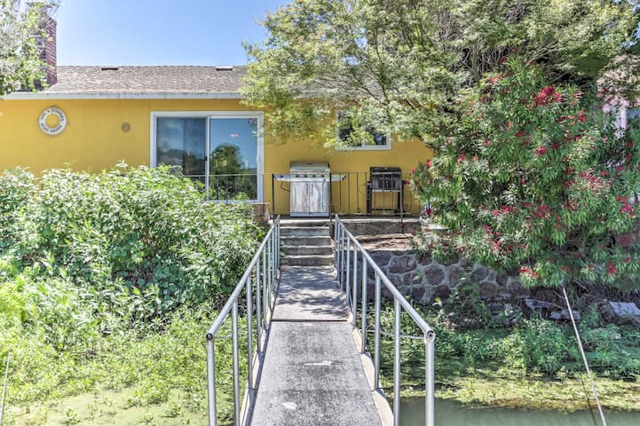 Waterfront House in Clearlake Oaks w/ Boat Dock!