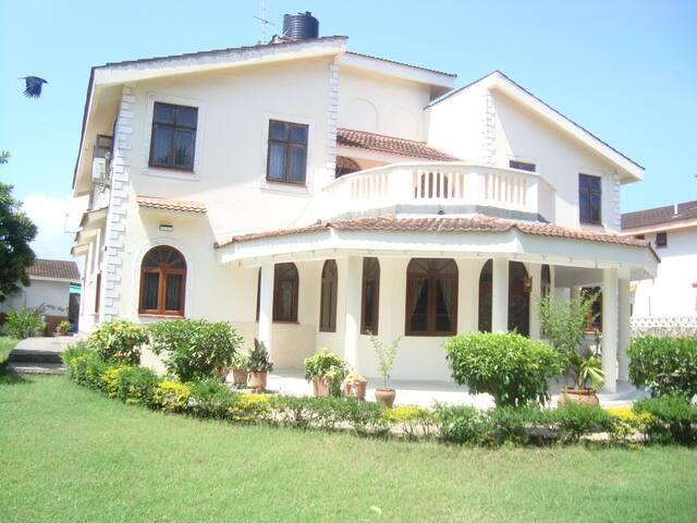 Mweru Villa- Twin Bedroom 5/5