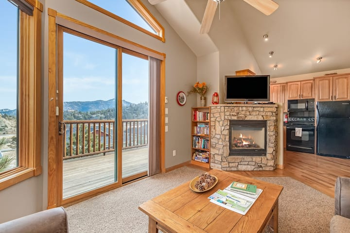 Teepee Mountain 12A - 2 Br condo with Marys Lake and mountain views!