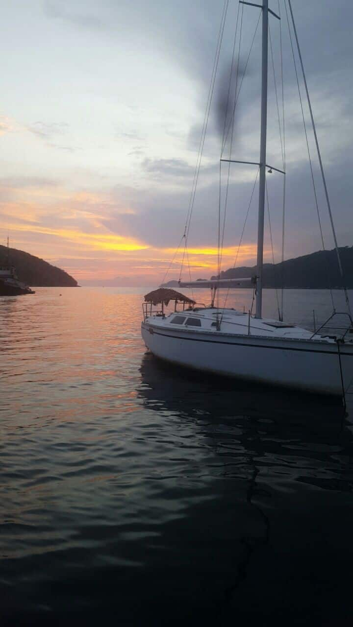 Sailboat/Velero Acapulco