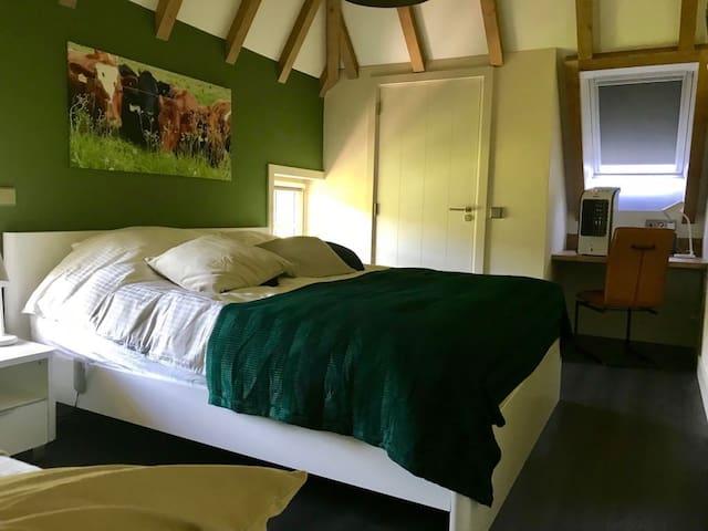 Slaapkamer 1 verdieping, max 3 personen