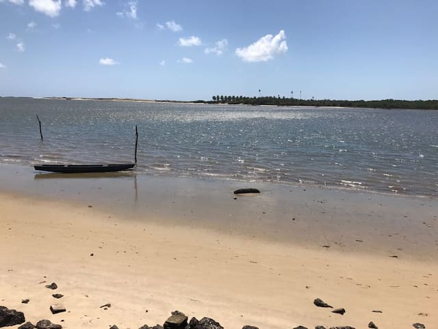 Ap novo e com mobília em Barra do Cunhaú, RN.