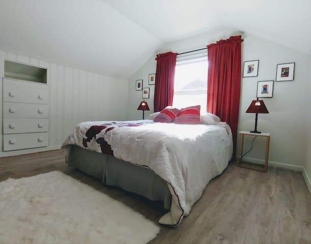 #HappyBnB Berkley Bright Clean & Tidy Home