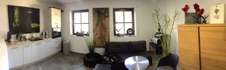 Modern eingerichtete Work & Travel Wohnung