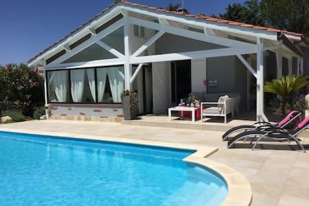 Villa avec piscine Sans vis-à-vis - Auch - Hus