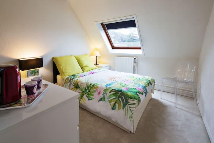 Chambre pour 1 personne, dans un vaste duplex