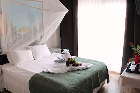 Clean Friendly Centrally Located, w. Castle View. - Selçuk