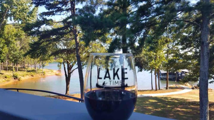 Lake Hartwell Luxury 2BR 2BA Condo, Clemson Games!