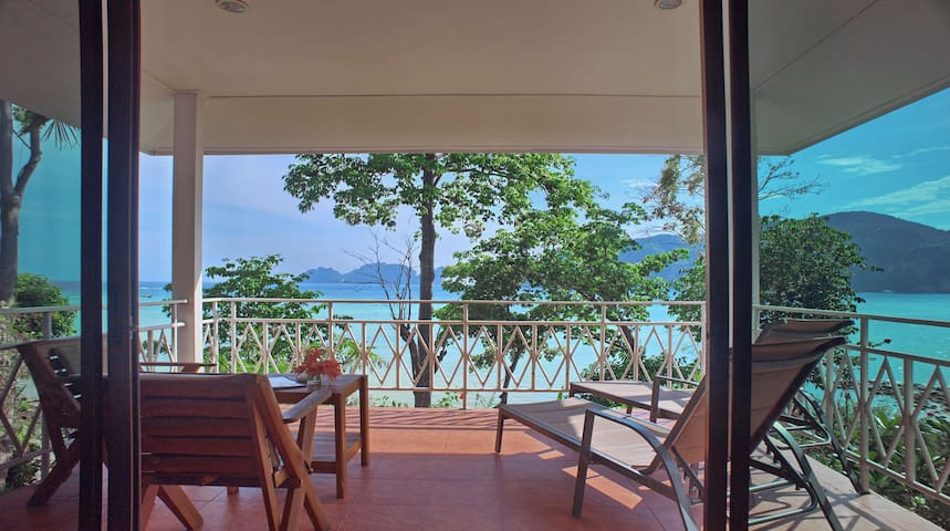 Magnificent Seafront Villa on Phi Phi!