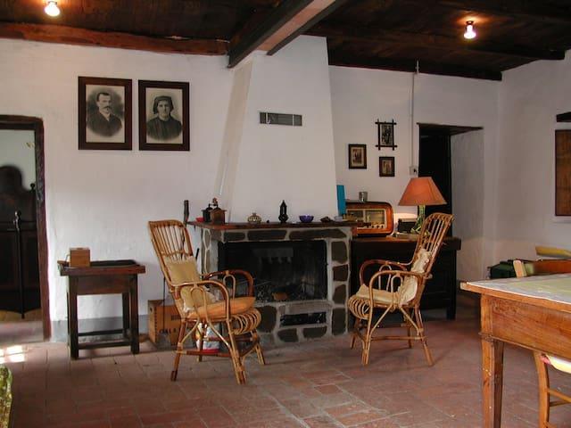 Rustico panoramico - Cattognano - House