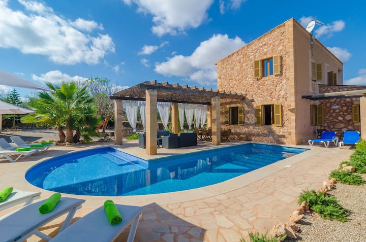 CA NA CARME - Beautiful villa with private pool and great garden. Free WiFi
