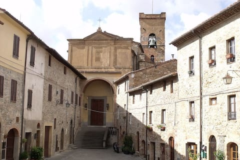 A Peaceful Oasis in a Medieval Italian Village