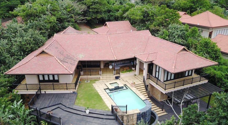 Zimbali Deluxe Family Villa - Dolphin Coast